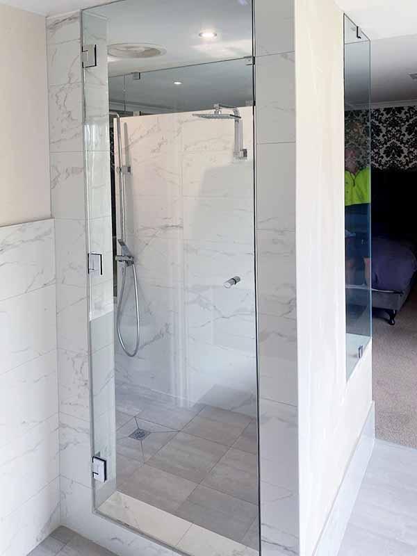 10mm frameless shower screen in Secret Harbour