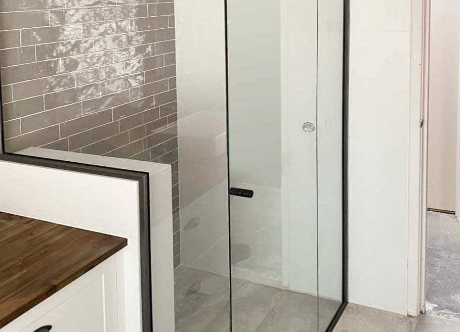 Semi Frameless shower screen Kingsley